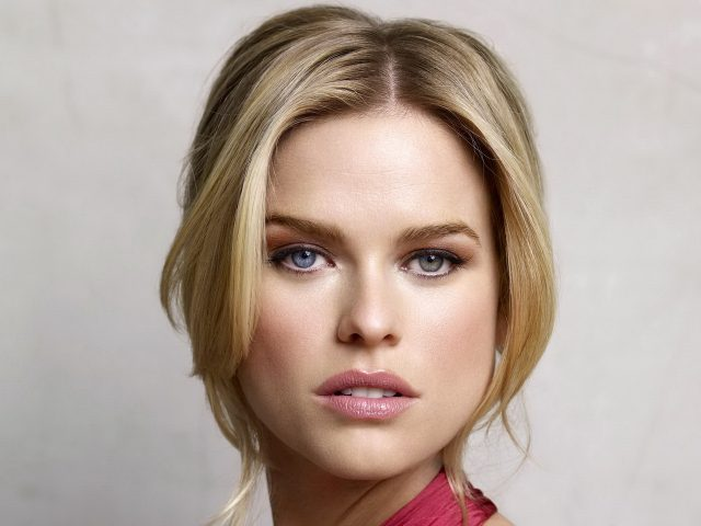 Alice Eve Height Weight Shoe Size Body Measurements